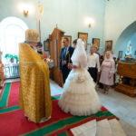 В осенний праздник святых Петра и Февронии Муромских в Знаменском храме прошли массовые благотворительные венчания
